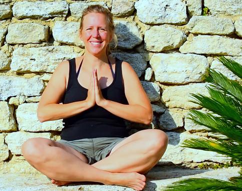 Yogalehrerin Caroline Barthelmes